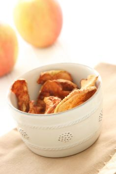 Homemade Cinnamon Apple Chips and Health Benefits of Apples from @Alison Hobbs Lewis