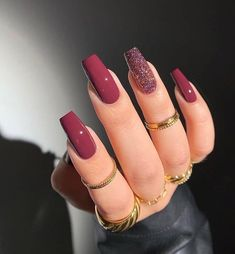 Acrylic Nail Designs Coffin, Acrylic Nails Coffin Short, Simple Acrylic Nails, Pink Acrylic Nails, Nail Art Designs, Acrylic Nails With Design, Maroon Nail Designs, Dark Pink Nails, Long Nail Designs