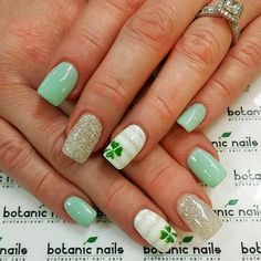 St Patricks Day nail art allows you to show off how much you love this holiday. As you probably know, green is the major theme color for this holiday. Nail Art Designs, Winter Nail Designs, Nails Design, Salon Design, Design Art, Cute Nails, Pretty Nails, Hair And Nails, My Nails