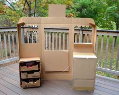 Green Grocer Shop from Cardboard — Ikat Bag
