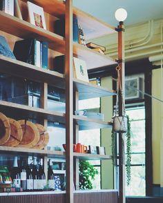 * 緑が綺麗だったな。次は早起きして緑が見える席でまったりしたい。 * #sony #sonyalpha #sonya7 #a7 #vscocam #cafe