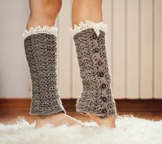 Crochet pattern - Luxury Leg Warmers, lace, buttoned, chevron pattern