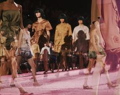 The safari line finale at Marc Jacobs SS15 NYFW. More images here: http://www.dazeddigital.com/fashion/article/21496/1/marc-jacobs-ss15-live-stream