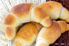 Buttery Bread Machine Crescent Rolls - Making crescent rolls from scratch can be tedious. This recipe leverages the kneading power of a bread machine to make it an easy task. Homemade Crescent Rolls, Crescent Roll Recipes, Bread Maker Recipes, Confectioners Glaze, Baked Rolls, Cheese Rolling, Instant Pudding, Ham And Cheese, Butter Recipe