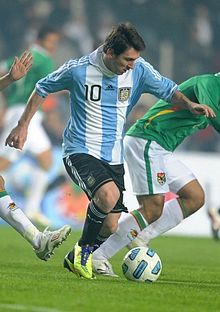 With Lionel Messi celebrating his birthday on June the Argentine captain has probably reached an age where he can no longer be considered one of the young stars of world football. Argentina Soccer Team, Messi Argentina, Argentina National Team, Lionel Messi, Messi 10, Good Soccer Players, Football Players, Football Fans, International Soccer