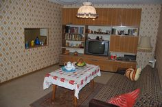 Das DDR Museum hat sein Wohnzimmer renoviert, hier seht ihr das Ergebnis! Es ist keine kommerzielle Nutzung des Bildes erlaubt, but feel free to repin it!