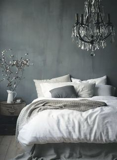 10 Experienced Tips AND Tricks: Vintage Home Decor Romantic Pink Roses vintage home decor mid century.Vintage Home Decor Diy Garage vintage home decor living room throw pillows.Vintage Home Decor Farmhouse Cabinets. Home Bedroom, Bedroom Decor, Master Bedroom, Bedroom Ideas, Bedroom Rustic, Modern Bedroom, Bedroom Designs, Dark Romantic Bedroom, Bedroom Colors