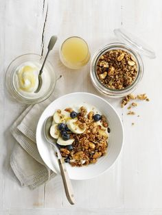 Homemade granola | Make one little change to make a BIG difference with the help from the Co-operative | #OneChange | #FairTrade | http://www.centralengland.coop
