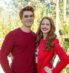 Shared by josie🦋. Find images and videos about riverdale, madelaine petsch and cheryl blossom on We Heart It - the app to get lost in what you love. Kj Apa Riverdale, Riverdale Archie, Riverdale Memes, Riverdale Tv Show, Cheryl Blossom Riverdale, Riverdale Cheryl, Vanessa Morgan, Riverdale Season 2 Spoilers, The Cw