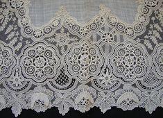 Maria Niforos - Fine Antique Lace, Linens & Textiles : Antique Lace # LA-121 Exquisite 19th C. Brussels Point De Gaze Hankerchief