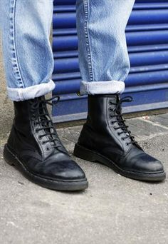 Vintage Dr Martens Black Leather Lace-Up Boots £48.00