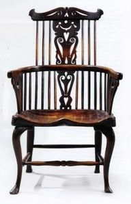 Antique Windsor chairs are a popular style of antique wooden chairs starting in the 18th century.- this is a beautiful example