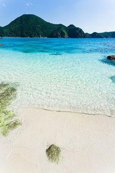 Tokashiki Island, Okinawa, Japan ♥ ♥ ♥ Wir lieben die Welt. Die Umwelt liebt die Trinkflasche aus Glas von EPiCO BOTTLES. Finde sie auf epicobottles.de/