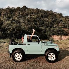 dream cars Weve compiled our top surf trip essentials, so whether youre off on a tropical surf adventure, a weekend surf getaway or a mini van adventure there is something to suit your surf Maserati, Bugatti, Auto Jeep, Cars Auto, Jeep Jeep, Jeep Truck, Old Jeep Wrangler, Chevy Trucks, Dream Cars