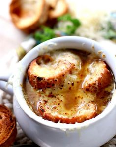 Every spoonful of this french onion soup was an absolute delight. Try this traditional French Onion Soup today, your taste buds will thank you! Onion Soup Recipes, Best Soup Recipes, Cabbage Recipes, Vegetable Recipes, Recipes Dinner, Potato Recipes, Pasta Recipes, Crockpot Recipes, Breakfast Recipes