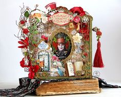 Absurd Theatre: Alice in Wonderland. Altered Books, Altered Art, Alice In Wonderland Crafts, Tunnel Book, Pop Up Cards, Graphic 45, Art Plastique, Craft Tutorials, Scrapbooks