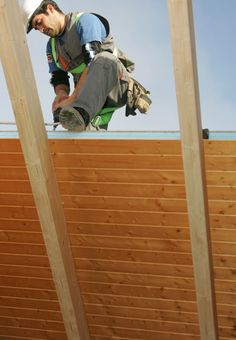 THERMOCHIP® ahorra costes y tiempos: su estructura y aislamiento en una sola pieza facilitan y agilizan la puesta en obra | #panel #madera #instalacion #arquitectura #wood