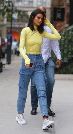 Evaluate the Kendall Jenner style record, the most beneficial looks attached by on pattern Kendall. Kendall Jenner Outfits Casual, Kendall Jenner Style, Kendall Jenner Fashion, Kendall Jenner Haircut, Kendall Jenner Jeans, Kendall Jenner Instagram, Mode Outfits, Trendy Outfits, Fashion Outfits