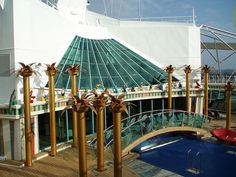 Royal Caribbean Freedom of the Seas ship image