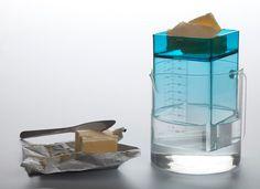 Kitchen-Scales-le-poids-par-l-eau-par-Helena-Karelson-design-estonie-objet-blog-espritdesign-6