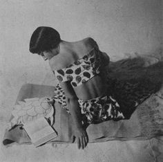 // Elsa Schiaparelli reading, 1949. ph: Rutledge Rutledge.