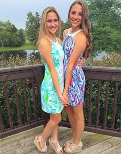 ff2b2dd7a97e47 Lilly Pulitzer Pearl Shift Dress via @emzrox21's Instagram. The middle line  elongates your figure
