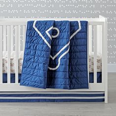 The Land of Nod's Baseball Crib Bedding is so great, it's ready to go pro. And the fitted sheet, changing pad cover, and throw pillow are the perfect complement to our Nod Sports Bedding or any baseball-themed nursery.