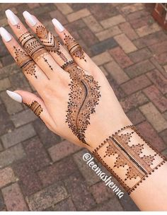 We have got a list of top Arabic Mehndi designs for Hand. You can choose Arabic Mehndi Design for Hand from the list for your special occasion. Best Arabic Mehndi Designs, Modern Henna Designs, Finger Henna Designs, Mehndi Designs For Girls, Mehndi Design Photos, Mehndi Designs For Fingers, Beautiful Henna Designs, Latest Mehndi Designs, Henna Tattoo Designs
