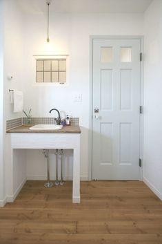 Hier findest du Fotos von Einrichtungsideen. Lass dich inspirieren! Powder Room, Double Vanity, Corner Desk, Bathroom, Interior, Furniture, Home Decor, Environment, Photos