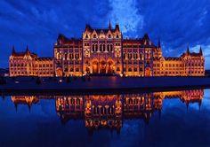 #parliament #night #budapest #amazing #summer  Photo: @odordori