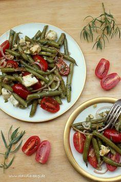 Grüne Bohnen Salat mit Tomaten und Feta / Caudia Earp