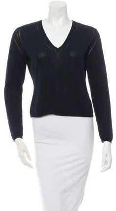 Bally V-Neck Sweater Women's V Neck Sweaters, Stylish, Blouse, Tops, Fashion, Women's Blouses, Moda, Fashion Styles, Blouses