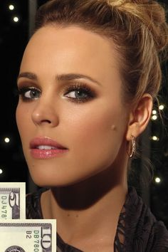 Rachel McAdams with beautifully bronze eyshadow