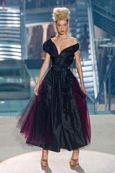 Défilé Vivienne Westwood prêt-à-porter printemps-été 2014, Paris. #PFW #fashionweek #runway This could work.
