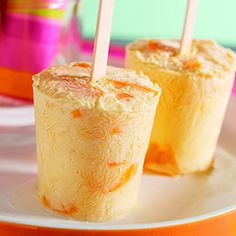 "Peachsicles - Cool your taste buds with this simple, tasty treat from the American Heart Association's magazine cookbook ""Healthy Recipes Kids Love. Köstliche Desserts, Frozen Desserts, Frozen Treats, Delicious Desserts, Dessert Recipes, Yummy Food, Dinner Recipes, Meals Kids Love, Healthy Meals For Kids"