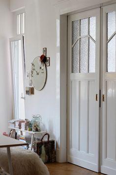 would love half of this door to use as pocket door to my bathroom...<3...