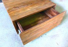 Couchtisch 60x60 mit einer Schublade