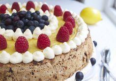 Nøtte- og sjokoladekake med sitronkrem - Elin Larsen