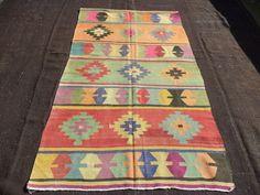 "KİLİM RUG,7,2""X4,3"" Feet 220x130 Cm Old Anatolian Area Decorative Kilim Rug,Home Decor Vintage Turkish Kilim Rug,Pink Kilim Rug."