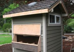 Chicken coop DIY.  Free plans to build your own