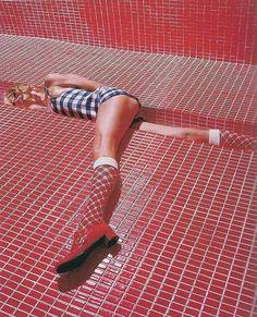 Patterns and socks! Vintage tight fit c. Vintage Glamour, 1960s Fashion, Vintage Fashion, Foto Fantasy, Image Mode, Viviane Sassen, Photo Images, Poses, Shades Of Red