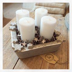 Weihnachten - Sieda Beton Website Concrete Crafts, Concrete Art, Concrete Garden, Christmas Centerpieces, Christmas Decorations, White Christmas, Xmas, Pillar Candles, Candle Holders
