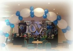 Quicklime arch over our stand at the wedding fair. vipballoons.co.uk