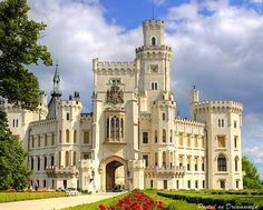 Hluboka Castle in the Czech Republic is part of Hluboka Nad Vltavou Castle Zamek Hluboka Eu - Beautiful Places, World Top Places, Traveling Places, Beautiful World Real Castles, Beautiful Castles, Beautiful Buildings, Beautiful World, Beautiful Places, Modern Buildings, Beautiful Architecture, Modern Architecture, Mansion Homes