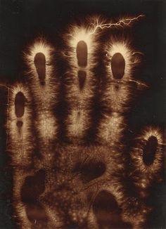 Hermann Schnauss, Electrographics of a Hand, 1900