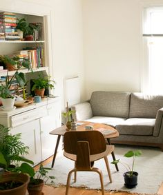 Millennials Have Been Told They Don't Need Living Rooms & Are Not Happy About It #refinery29uk