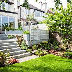 Small City Garden, Small Space Gardening, Garden Spaces, Gardening Tips, Contemporary Garden Design, Garden Landscape Design, Landscape Borders, Steep Gardens, Back Gardens
