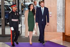 Christmas Service, Emerald Green Dresses, Meghan Markle Style, Harry And Meghan, Duke And Duchess, Awards, Bring It On, Coat, How To Wear