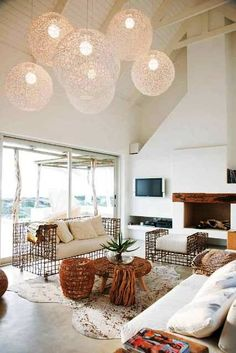 UNA CASA DE PLAYA [] THE BEACH HOUSE