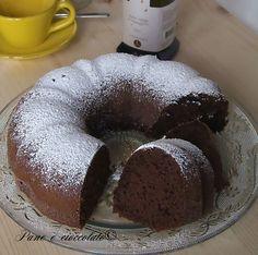 Soft Chocolate Ciambella al Cioccolato soffice Foamy Chocolate Donut - Tasty Chocolate Cake, Chocolate Donuts, Healthy Doughnuts, Plum Cake, Sweet Cakes, Dessert Recipes, Desserts, Cake Cookies, No Bake Cake